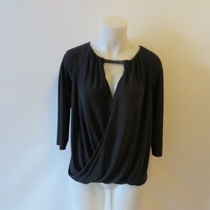 BAILEY 44 ASYMMETRIC HEM KEYHOLE BLOUSON TOP M